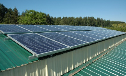 solar electric panals on the roof of the barn